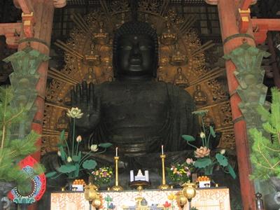 聖武天皇が建立した東大寺大仏