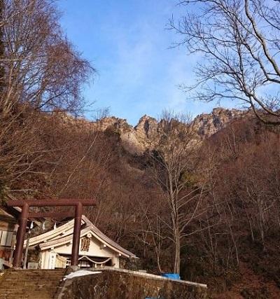 奥社と戸隠山